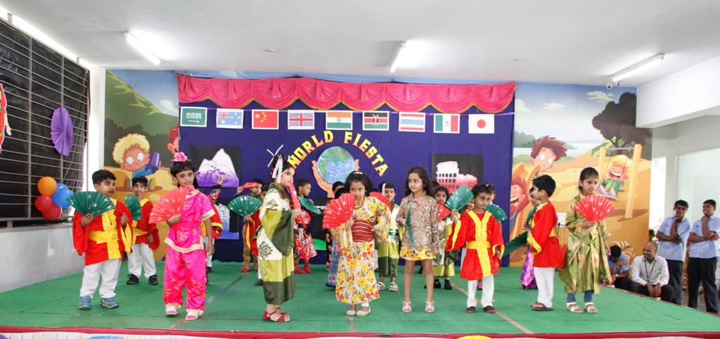 Children's-dance-performance-for-World-Fiesta